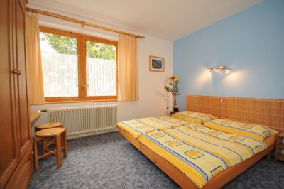 Blue bedroom: 2 beds